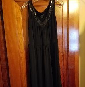 Womans black sleevless dress